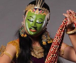 """Astri Agustin Ayudiani performs """"Panji Semirang"""""""