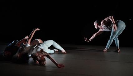 Crash Choreographed by Jacob Jonas(Photo Credit: Lawrence K. Ho)